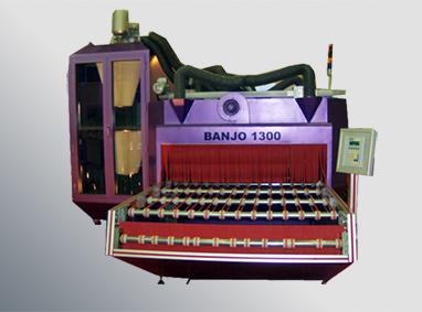 BANJO 1300 آلة الرش الرملي الأفقية
